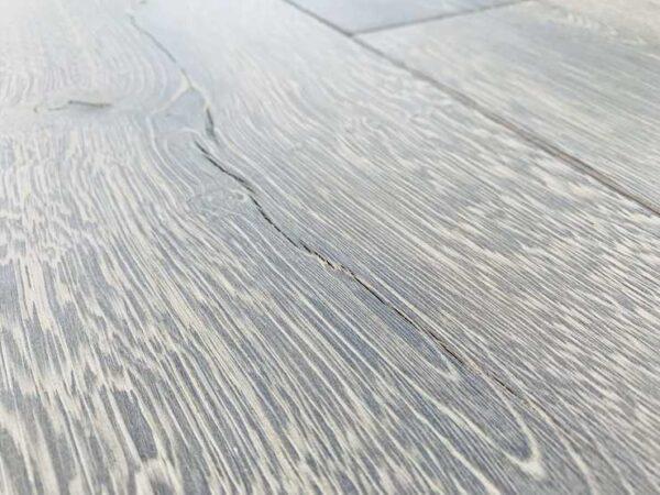 Oak V3 close up